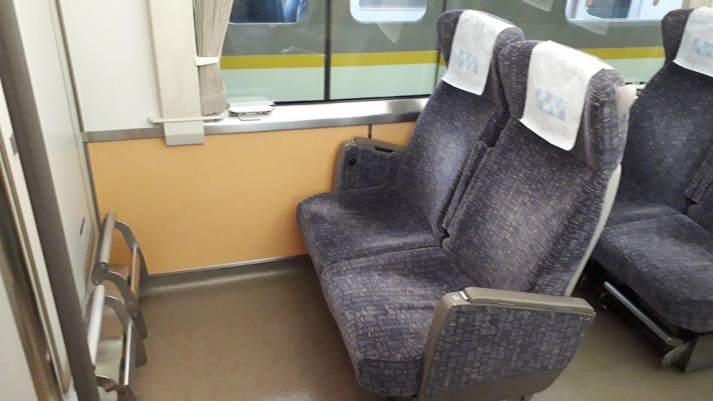 近鉄 アーバンライナー 21020系 レギュラーカー 座席