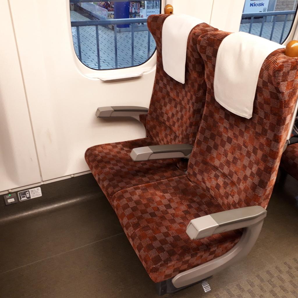 新幹線 みずほ号 さくら号 N700系7000番台、8000番台 普通車自由席 座席