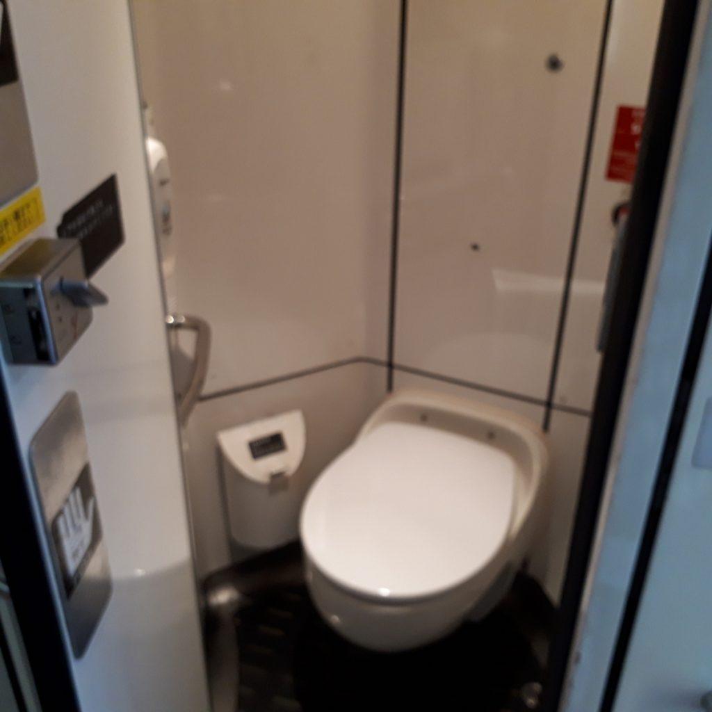 特急ソニック 883系 お手洗い トイレ