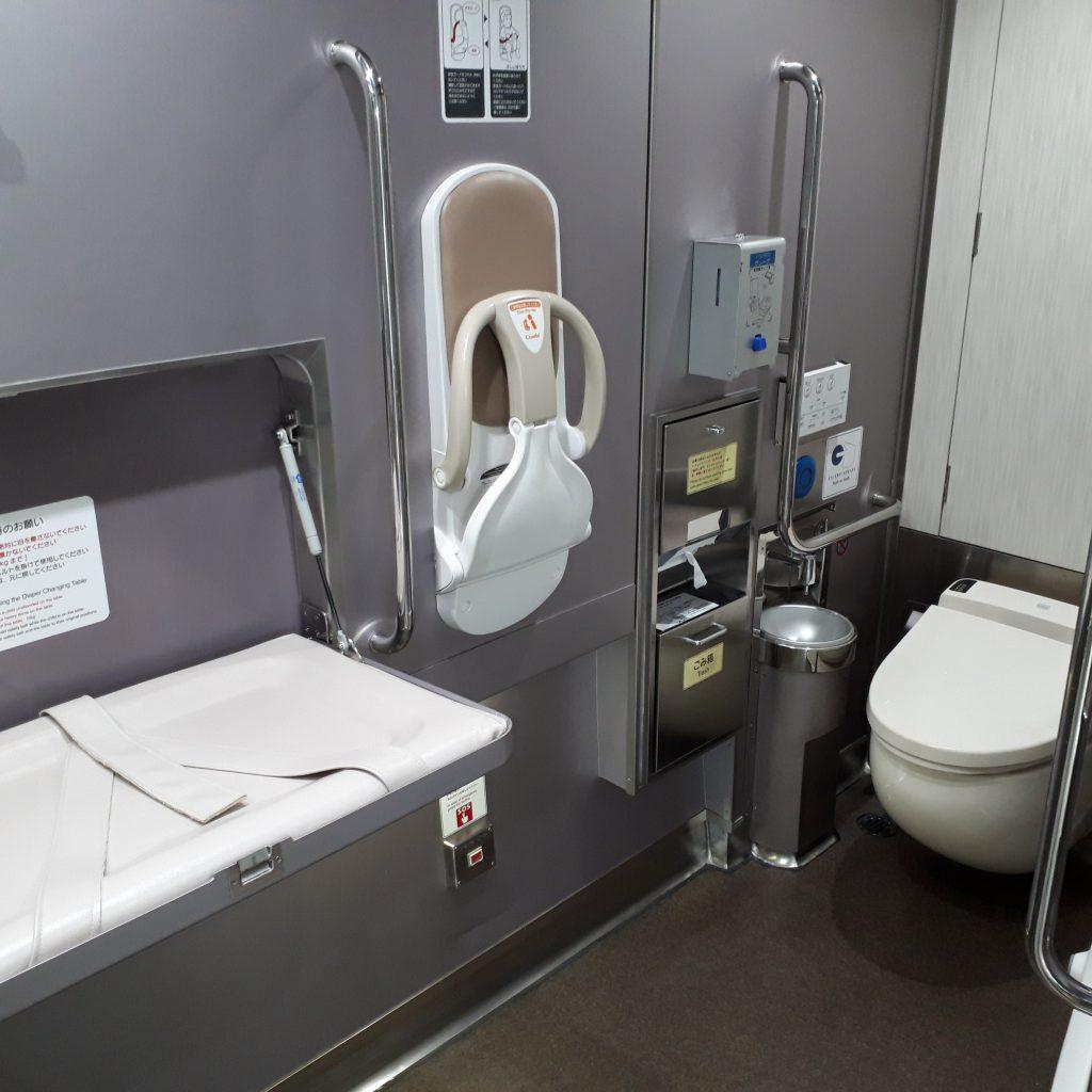 近鉄 50000系 しまかぜ 多目的お手洗い トイレ