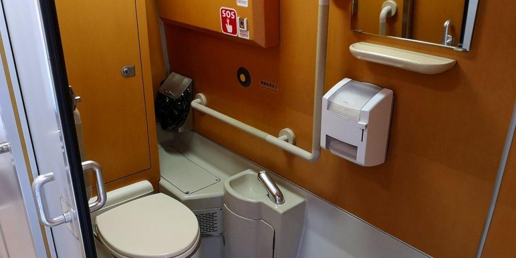 特急しおかぜ 8000系 多目的お手洗い 多目的トイレ