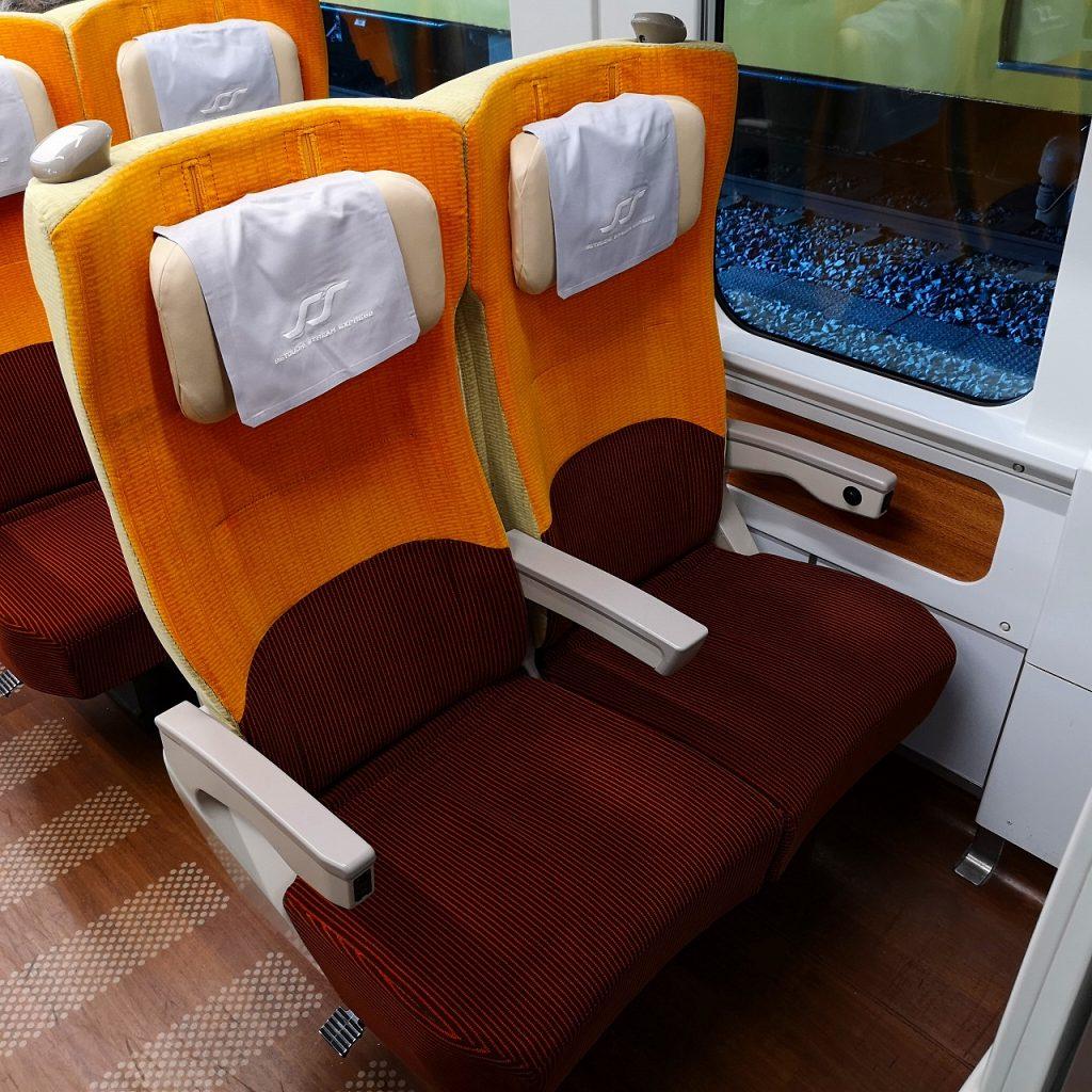 特急しおかぜ 8600系 普通車 自由席 指定席 座席