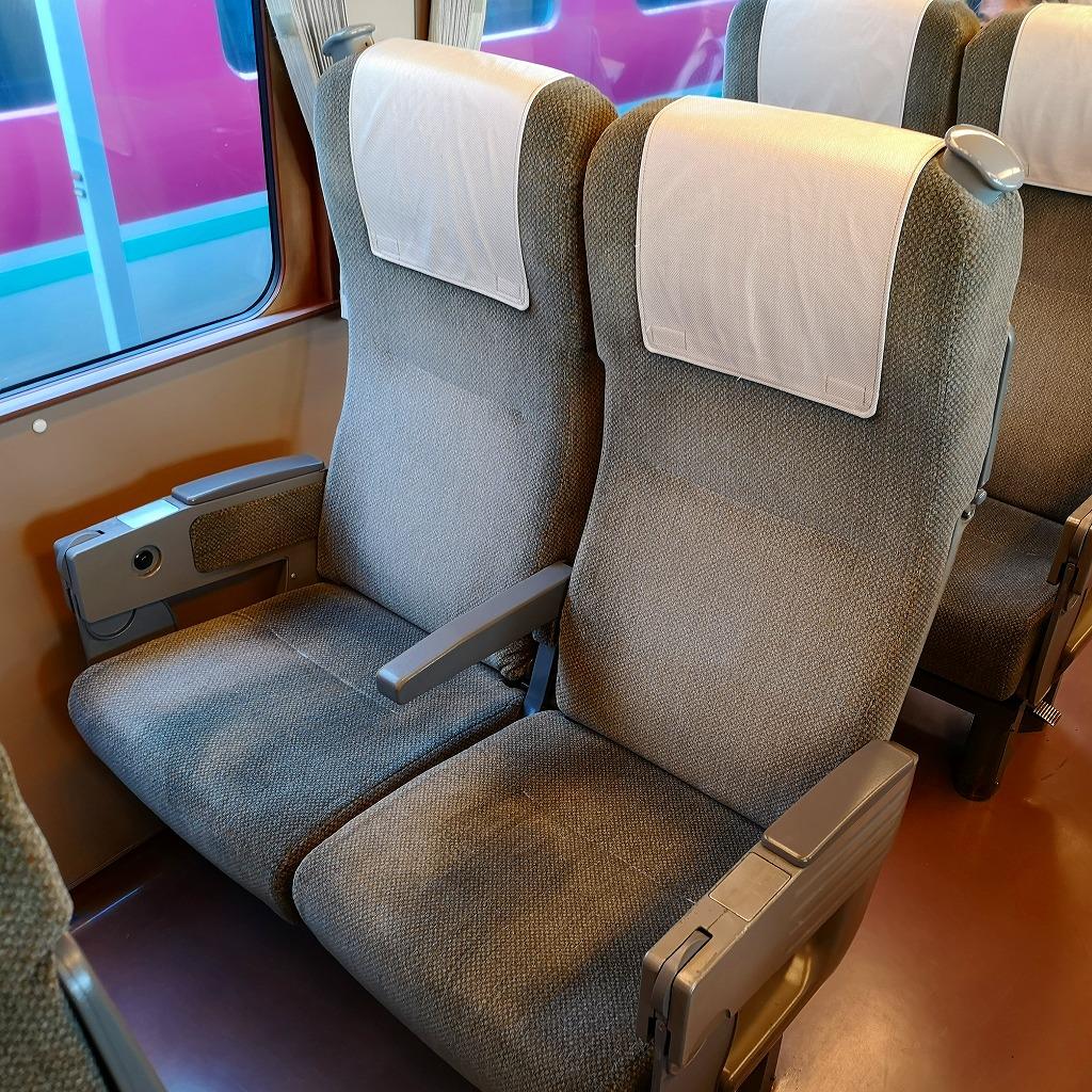 特急スーパーいなば キハ187系 普通車 座席