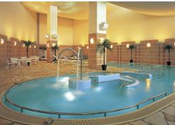 ウェスティンホテル淡路 スパ フィットネス リストーロ 屋内プール