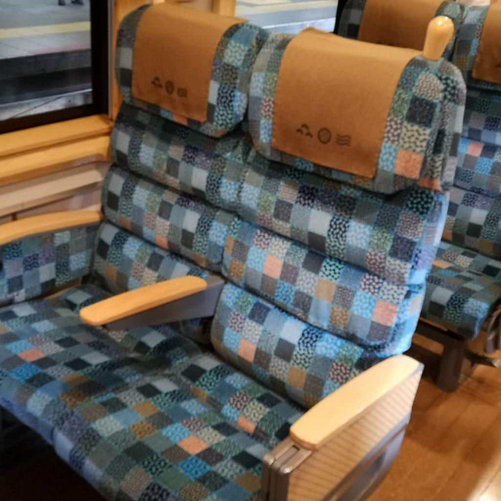 特急はしだて KTR8000系 普通車 座席
