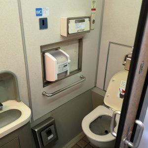 特急しなの 383系 お手洗い