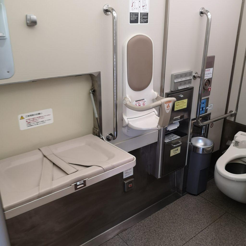 近鉄 名伊特急 22600系 多目的お手洗い トイレ