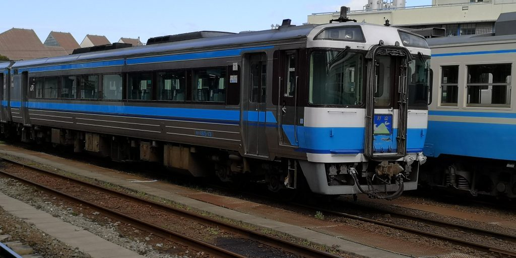 特急剣山 キハ185系