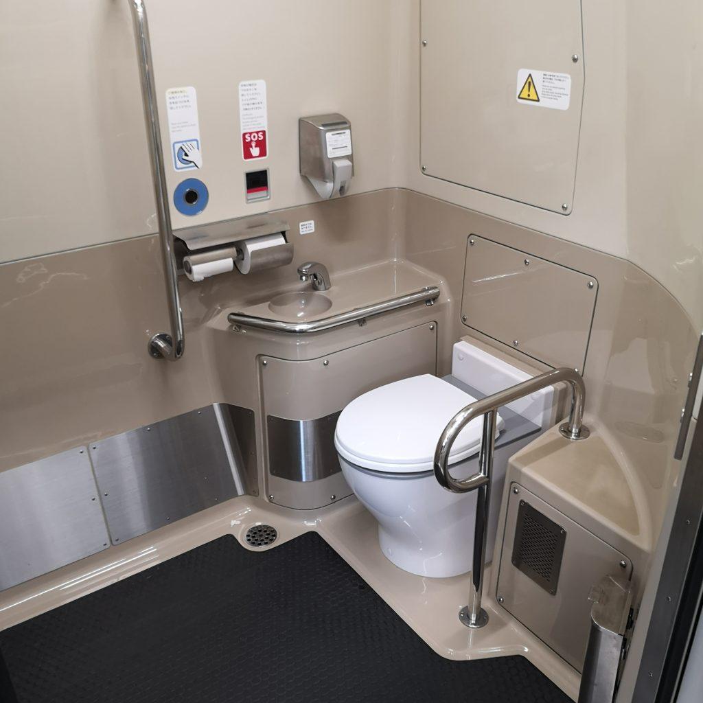 快速シティライナー 227系 お手洗い トイレ