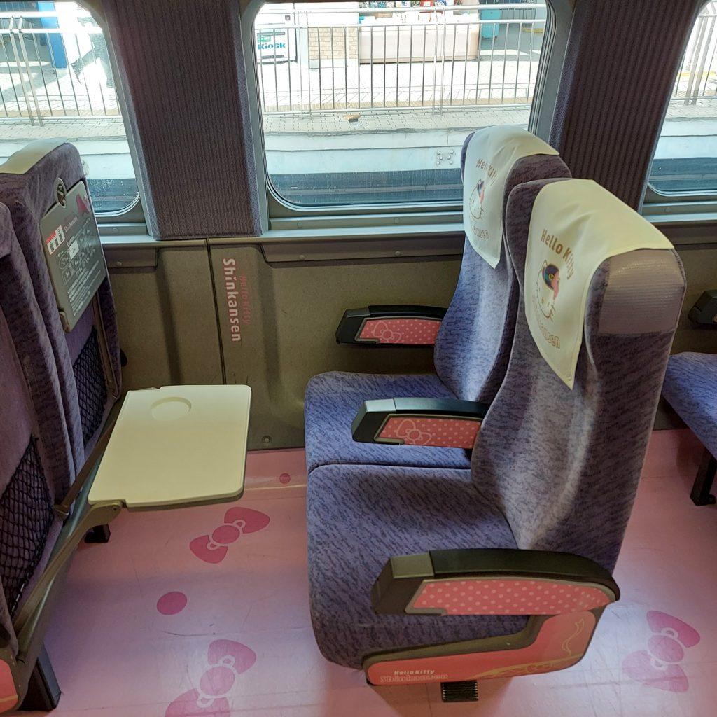 500系 ハローキティ新幹線 2号車 KAWAII! ROOM かわいいルーム