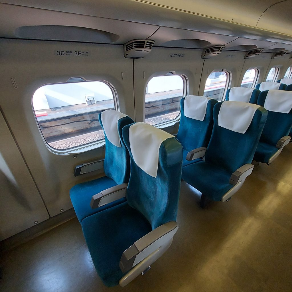 新幹線 700系 レールスター 普通車 自由席 車内