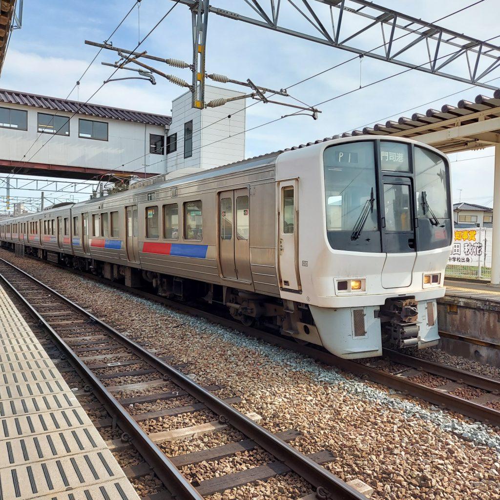 JR鹿児島本線快速 811系