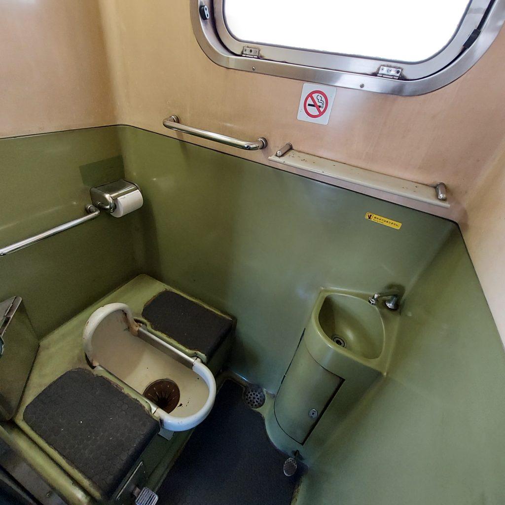 JR鹿児島本線快速 811系 お手洗い トイレ